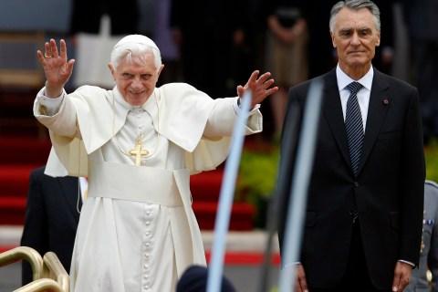 Pope Benedict XVI and Portugal's President Anibal Cavaco Silva