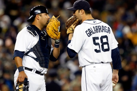 Detroit Tigers relief pitcher Armando Galarraga (right)