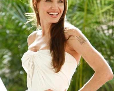 "Actress Angelina Jolie poses during the lunch of her movie ""Salt"" in Cancun"