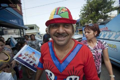 Brazilian clown Tiririca campaigns in Sao Paulo
