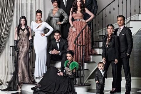 gallery_enlarged-Khloe-Kardashian-Family-Christmas-Card-2010-1215100