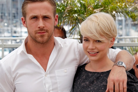 """Cast members Williams and Gosling  pose during a photocall for the film """"Blue Valentine"""" at the 63rd Cannes Film Festival"""
