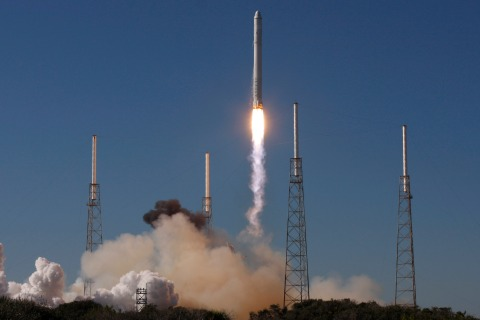 SpaceX's Falcon 9 rocket with the Dragon capsule
