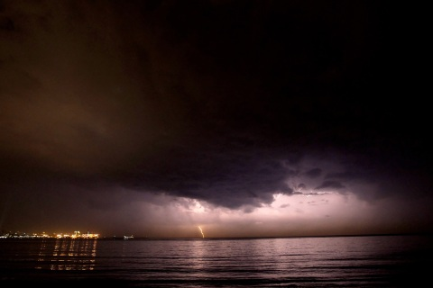 A thunder strikes off the shores of Beir