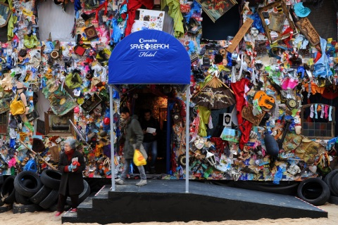 The Beach Garbage Hotel in Madrid, Spain was not on Trip Advisor's dirtiest hotels list but which ones were?