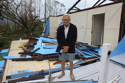 Queenslanders Survey Cyclone Yasi Damage