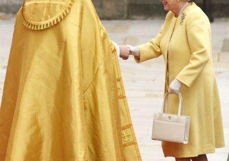 Queen Elizabeth royal wedding launder handbag purse