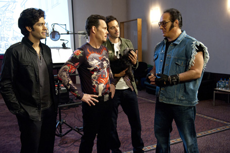 (L-R) Adrian Grenier, Kevin Dillon, Rhys Coiro and Andrew Dice Clay in the last season of Entourage (Photo courtesy of HBO)