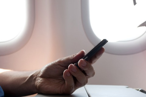 Electronic Devices on Planes Horizontal