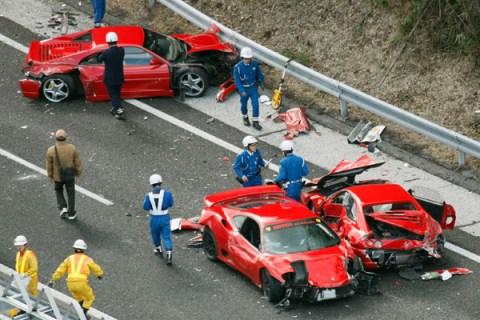 supercar_crash_1205