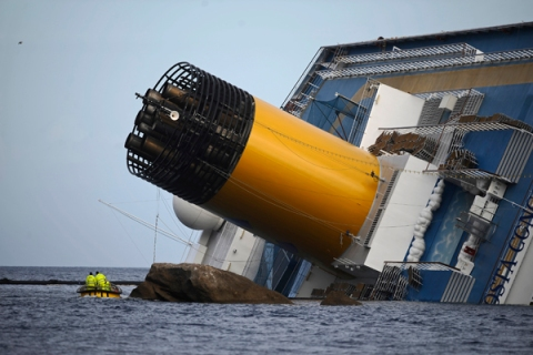 The cruise liner Costa Concordia lies ag