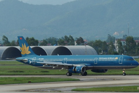 TO GO WITH Vietnam-airline-company-Vietn