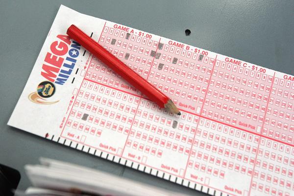 Mega Millions Lottery Reaches Record Breaking 476 Million Time Com