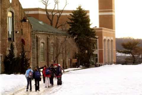 Students arrive at the Horace Mann School on February 4, 200