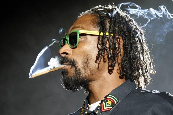 Снуп догг с марихуаной курение марихуаны при язве