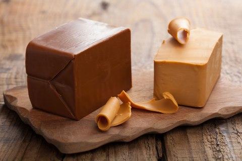 Brunost cheese