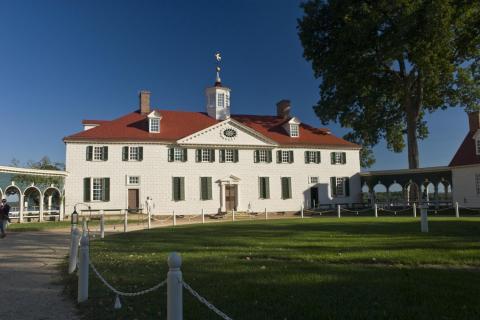 img: George Washington's estate at Mount Vernon.