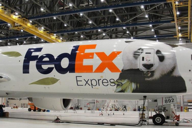 FedExPandaPlane1
