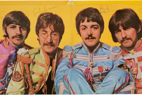 nf_the_beatles_sgt_pepper_0401