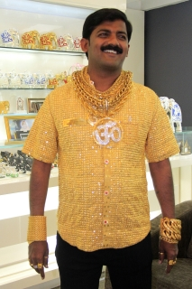 INDIA-SOCIETY-GOLD-FASHION-OFFBEAT