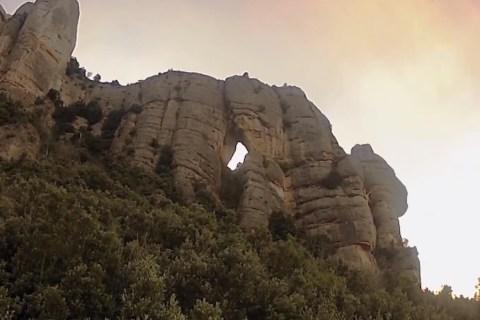 base-jump-cave