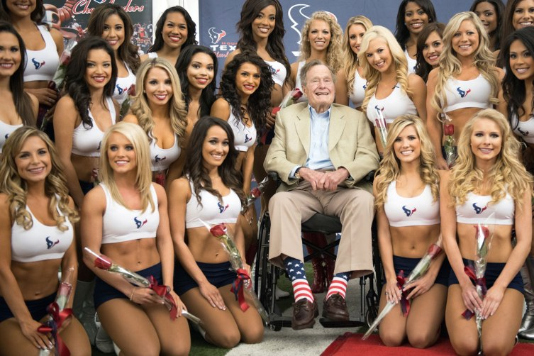 Texans-Bush-Cheerlead