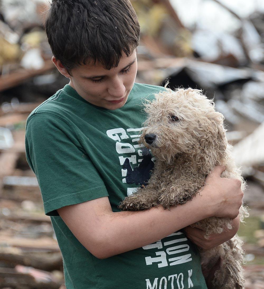 Huge Oklahoma Tornado Kills Dozens