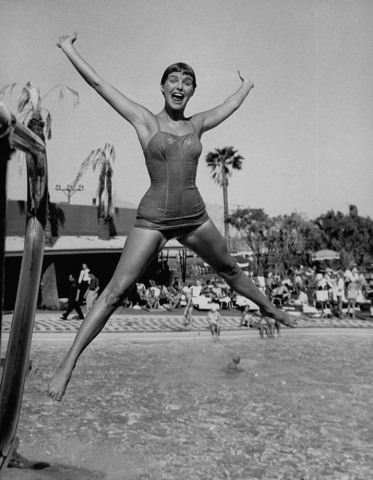 Las Vegas Chorus Girl Kim Smith at the swimming pool in the Sands Hotel.