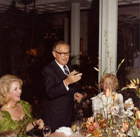 Henry Kissinger delivers a toast during a dinner at Sunnylands.