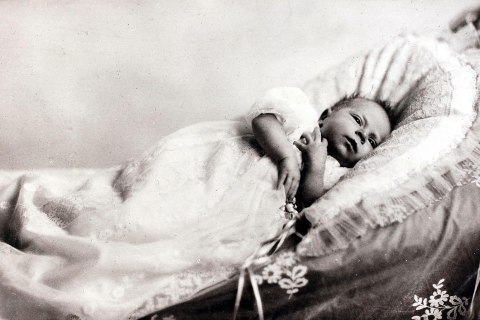 British Royalty, 1926, H,R,H,Princess Elizabeth (Queen Elizabeth II) daughter of The Duke and Duchess of York, pictured as a very young baby