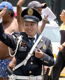 Image: Mexico Female Traffic Police