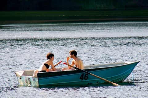 couple_rowboat