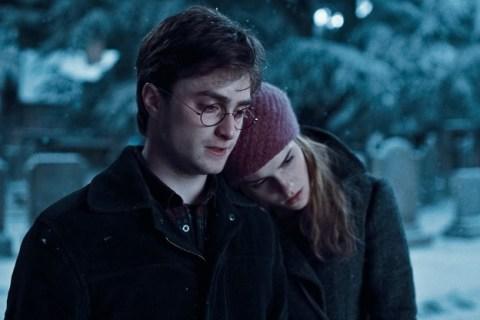 harry-potter-hermione-granger-hp7-snow-walk-6x4.jpgw1800-624x416